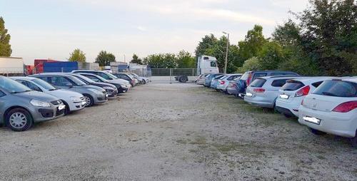 Kültéri reptéri parkoló Üllőn - Nemzeti Reptéri Parkoló